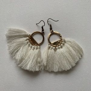 2 pairs of cute earrings